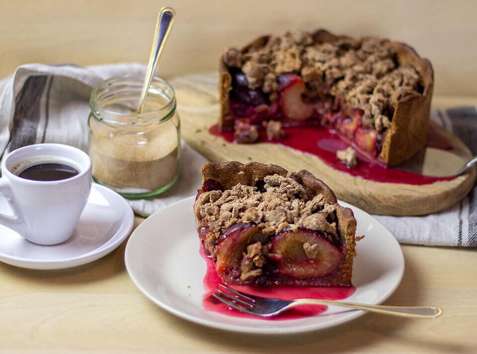 Zuckerfreier Zwetschgenkuchen mit Zimtstreuseln